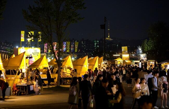 Pasar Malam Bamdokkaebi Seoul 2019 Buka Mulai 5 April!