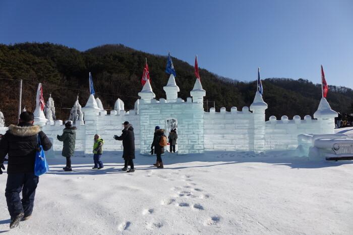 Festival Dongjangkun Lembah Baegungyegok (백운계곡 동장군축제)