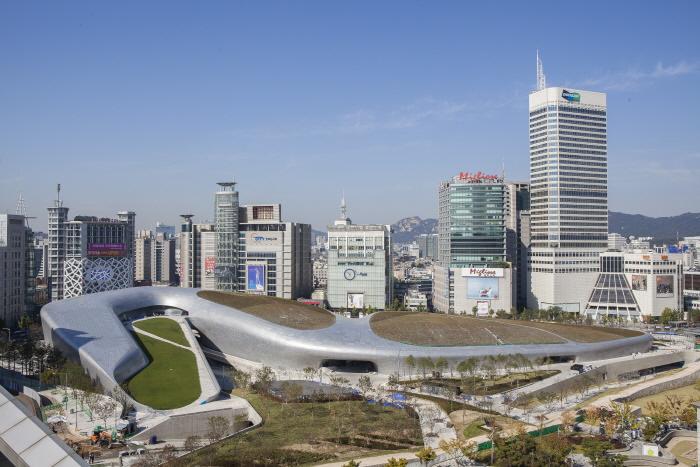 Kawasan Khusus Wisata Dongdaemun Fashion Town
