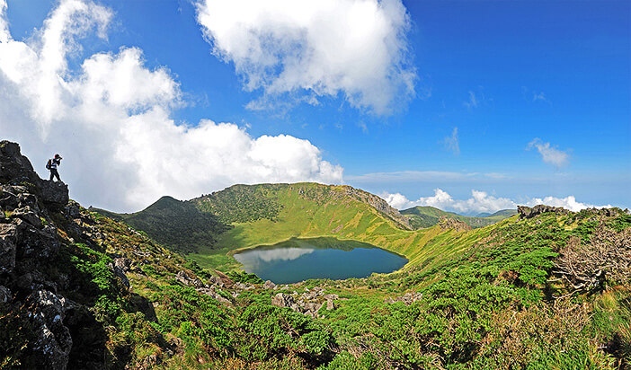 Pulau Vulkanik dan Pipa Lahar Jeju (Ditetapkan pada tahun 2007)