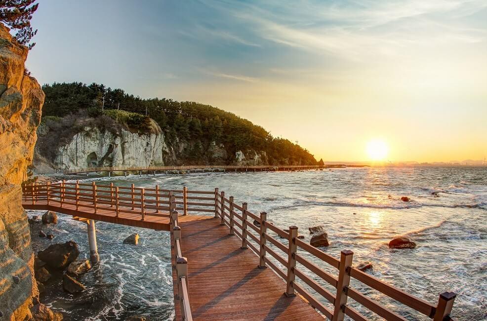 Daftar 100 Situs Wisata Bebas Kontak yang Diberi Penghargaan di FITUR