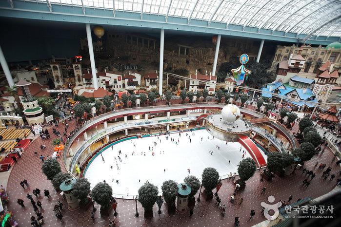 Arena Ice Skating dalam Ruangan, Lotte World