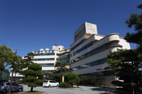 BENIKEA Hotel Mountain & Ocean Jumunjin Beach Resort (베니키아 산과바다 주문진리조트)