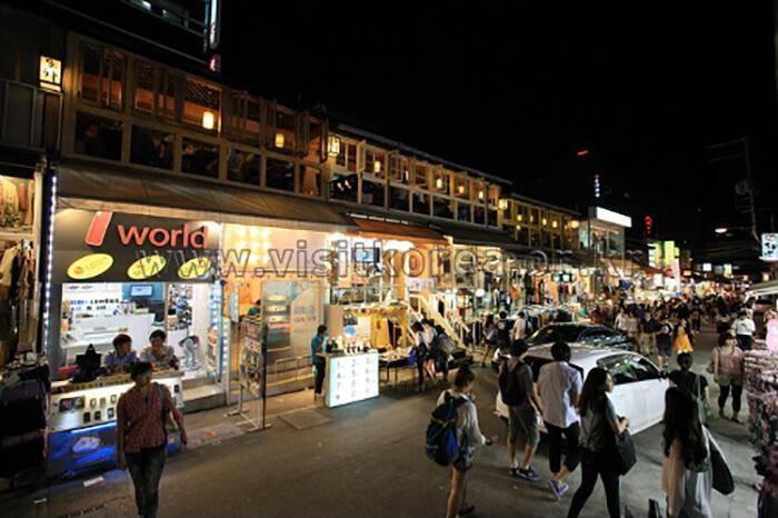 Hongdae (Hongik University Street)
