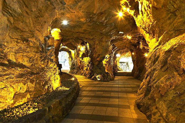 Mengunjungi Gwangmyeong untuk Merasakan Tur Gua yang Menyenangkan!