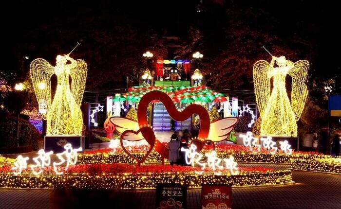 Festival Cahaya Bintang E-World (이월드 별빛축제)