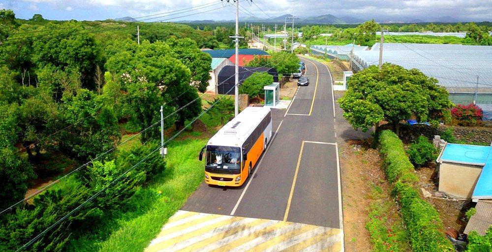 Shuttle Bus Wisata Pulau Jeju