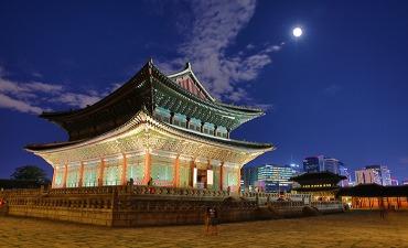 Yuk, Hadir pada Tur Cahaya Rembulan di Istana Changdeokgung!