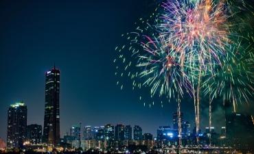 Festival Kembang Api Internasional Seoul Menerangi Malam