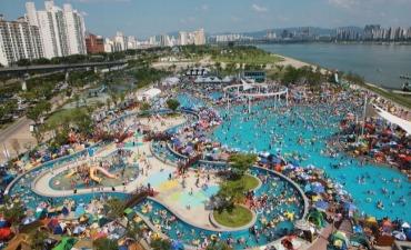 Kolam Renang Luar Ruangan Taman Hangang Akan Dibuka Akhir Juni