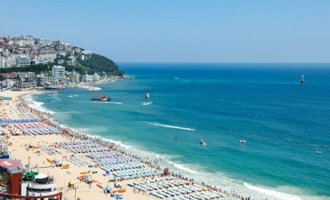 10 Tujuan Wisata Pantai Musim Panas