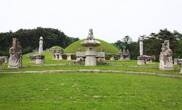 Makam Kerajaan Dinasti Joseon (Ditetapkan tahun 2009)