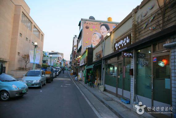 Dong-Incheon Samchi (Mackerel) Street