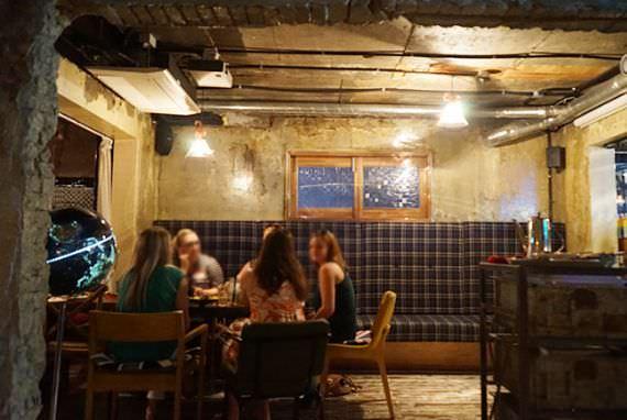 Itaewon, Penuh dengan Restoran yang Chic dan Kafe