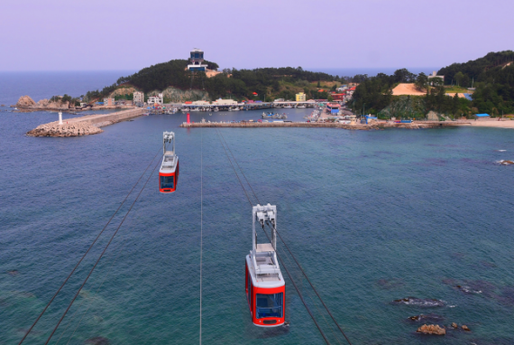 Terbang di Atas Lautan! Samcheok Marine Cable Car Dibuka 26 September