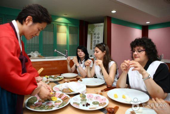 Kelas Memasak Makanan Kerajaan di Museum Kerajaan Nasional