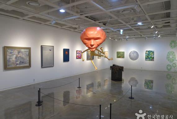 Festival Seni Internasional Gwanghwamun
