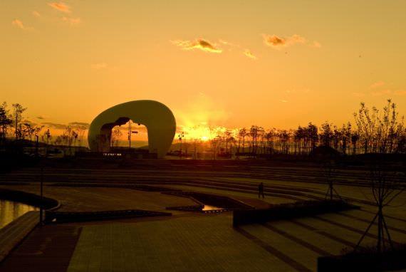 Festival Matahari Terbenam Jeongseojin