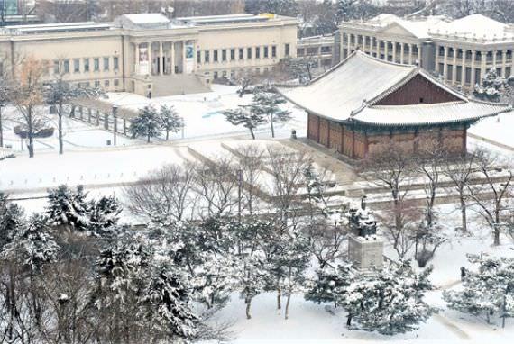 Istana Utama dan Istana Kerajaan di Seoul Tetap Buka di Hari Tahun Baru