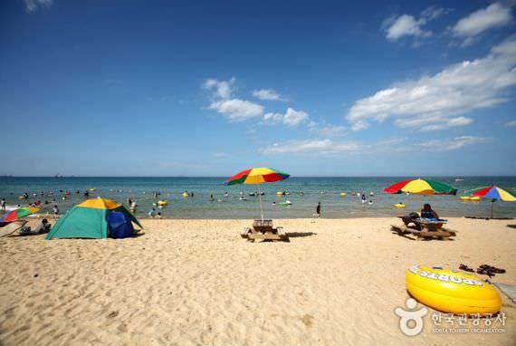 Pantai Samcheok