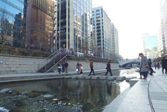 Aliran Sungai Cheonggyecheon, Tempat Wisata Gratis di Pusat Kota Seoul