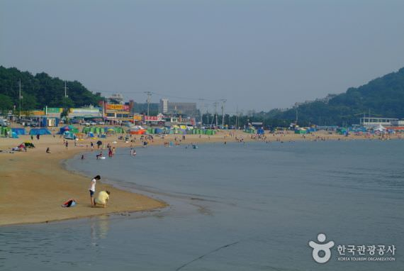 Pantai Eurwangni