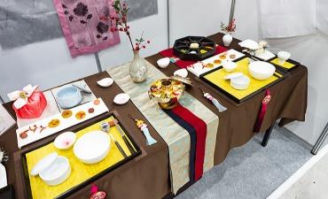 Ahli Makanan Tradisional Korea Berkumpul di Festival Budaya Makanan Asli